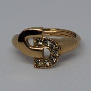 Vintage AVON locking cs ring